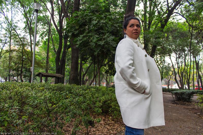 El abrigo blanco